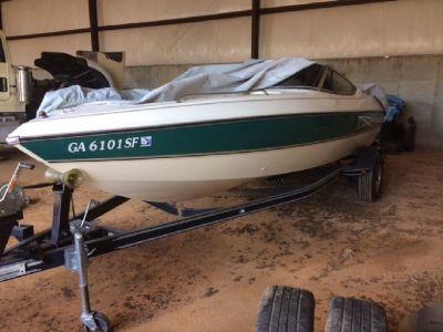 1999 Stingray 200LX Boat
