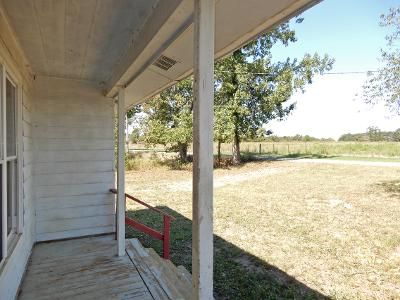 2 Bed 2 Bath Foreclosure Property in Tuscumbia, AL 35674 - Lime Rock Rd