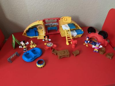 Mickey Mouse camper play set