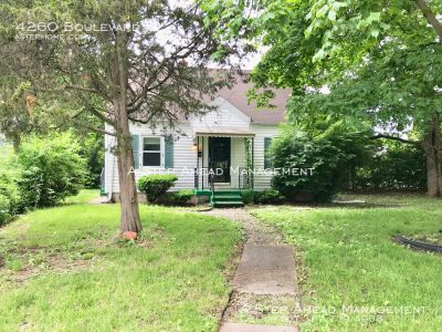 4260 Boulevard Pl-3 bedroom home steps from Butler University