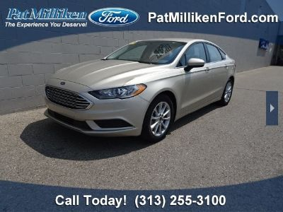 2017 Ford Fusion SE (White Gold)