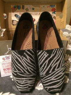 'BOBS' Sz.8 Women's Black/Silver Shoes