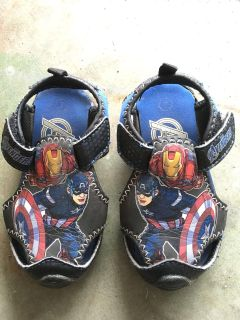 Avengers toddler sandals size 7