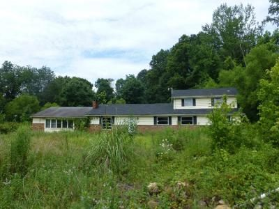 6 Bed 2 Bath Preforeclosure Property in London, KY 40741 - Mcwhorter Rd