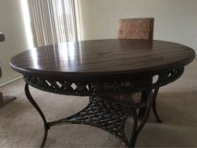 Dining Table & Chairs *REDUCED*