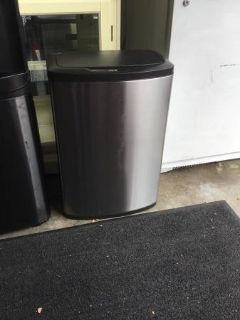 12.4 Gallon Motion Sensor Garbage Can