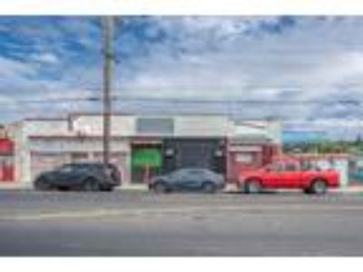 4-Unit Commercial Opportunity with Great Cap Rate