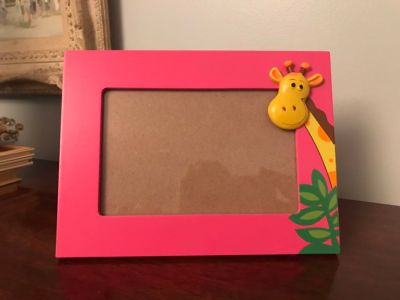 Pink frame for 4x6 pic