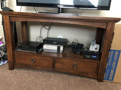 Beautiful excellent condition couch table