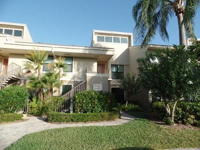 2 Bed 2 Bath Foreclosure Property in Palm City, FL 34990 - Harbour Ridge Blvd # 4a