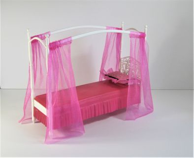 Barbie Doll Pink Canopy Bed With Pink Fabric Drapes And Pillow Mattel 2008