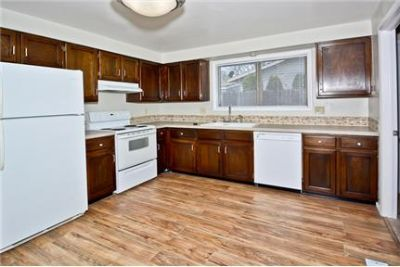 $1,100/mo, 1 bathroom - must see to believe.
