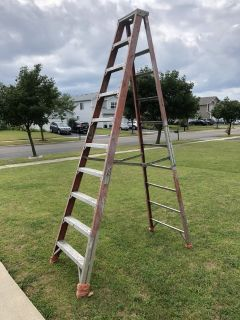 10 foot fiberglass step ladder
