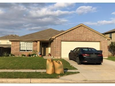 3 Bed 2 Bath Preforeclosure Property in Fort Worth, TX 76179 - Hawkview Dr