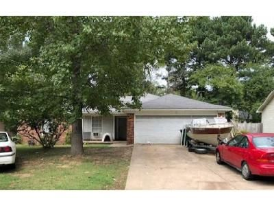 3 Bed 2 Bath Foreclosure Property in Cabot, AR 72023 - Timber Lane Drive