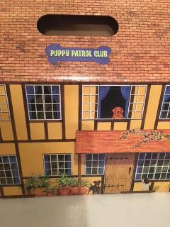 Puppy Parol Club House