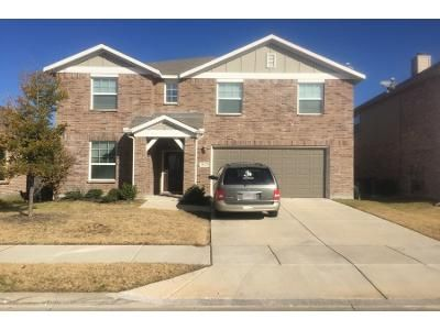 4 Bed 2.5 Bath Preforeclosure Property in Little Elm, TX 75068 - Zebra Finch Dr