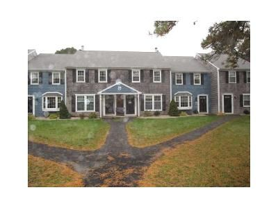 2 Bed 1.5 Bath Foreclosure Property in West Yarmouth, MA 02673 - Camp St Apt G4