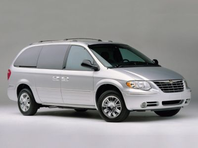 2005 Chrysler Town & Country Touring ()