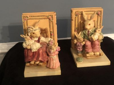Bunny Bookends Mom, Dad, Son, Daughter, Babies in Rocking Chairs