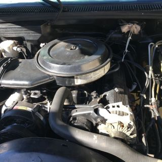 1992 chevy dully 350 gas runs great,trans.11/2 years old, no problems.