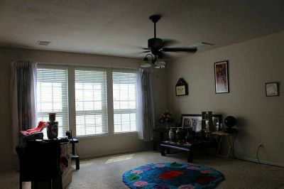 House for Rent: 4 Bdrm, 3 Bath, Large Backyard, Community Pool