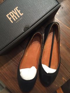 Frye Black Soft Leather Flats - Women s Size 10 - Brand New In Box