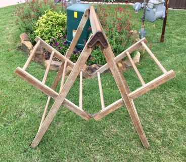 $39 antique vintage wooden clothes drying rack, collapsible