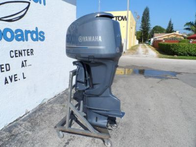 Sell 2003 225HP 225 HP YAMAHA FOUR STROKE OUTBOARD MOTOR F225 motorcycle in West Palm Beach, Florida, United States