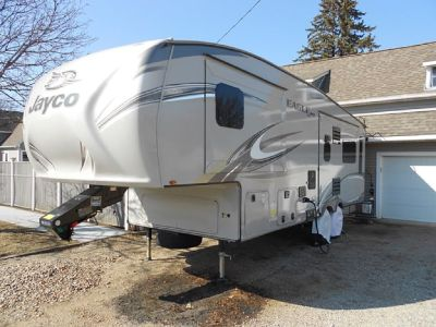 By Owner! 2017 31ft. Jayco Eagle HT 27.5 RLTS w/3 slides