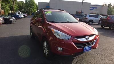 2013 Hyundai Tucson GLS (Garnet Red)