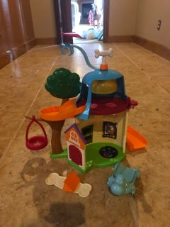 Puppy dog pals playset