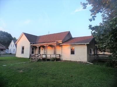 3 Bed 1 Bath Foreclosure Property in Glasford, IL null - Hickory