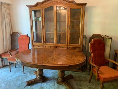 Beautiful antique style hutch/dining table
