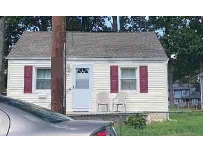 2 Bed 1 Bath Foreclosure Property in Runnemede, NJ 08078 - E 3rd Ave