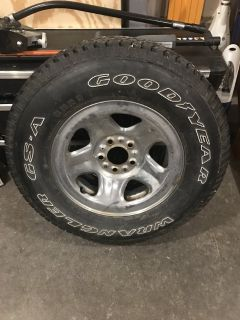 Goodyear P225/75R15 - just one
