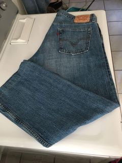 Men s Levi s 514 Slim Straight Jeans Sz 34x30 (See Other Photos)@