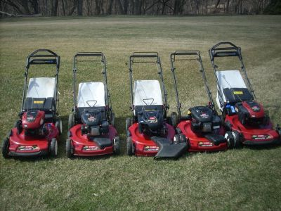 WOW TORO& HONDA LAWN MOWERS; PERSONAL PACE, FRONT SELF PROPEL, BAG OR NOT, CLEAN MOW READY !!