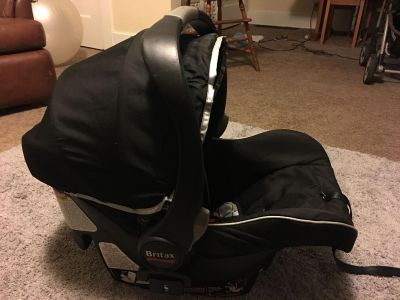 Britax infant car seat with two bases