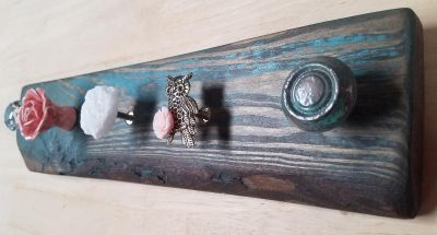 Salvaged wood jewelry accessory rack