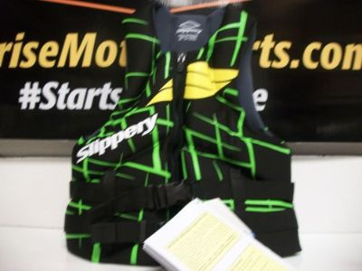 Sell SLIPPERY LIFE VEST S13 SURGE GREEN LARGE 32400523 motorcycle in Searcy, Arkansas, United States, for US $74.95