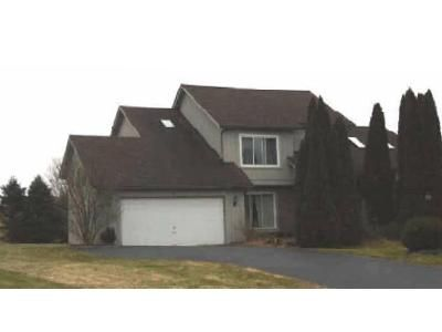 3 Bed 2.5 Bath Foreclosure Property in Penfield, NY 14526 - Edenfield Rd