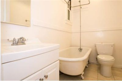 Studio 1 Bath Furnished Apartment.
