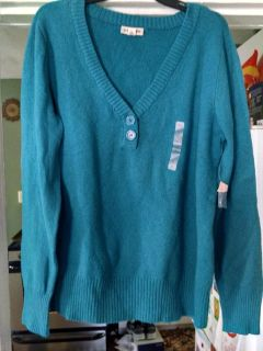 NWT!!! St. John's Bay beautiful too teal v-neck sweater... Size XL