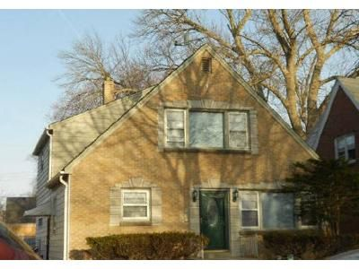 5 Bed 2 Bath Foreclosure Property in Milwaukee, WI 53216 - N 52nd St