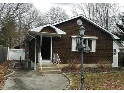 4 Bed 2 Bath Foreclosure Property in Mount Sinai, NY 11766 - Wylde Rd