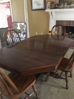 Dining room table solid wood with 4 chairs