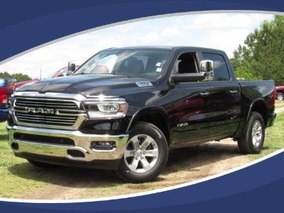 2019 RAM 1500 Laramie 4x2 Crew Cab 5'7 Box (Diamond Black Crystal P/C)