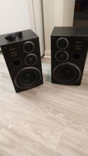 Sony SS-D33 3-way Bookshelf Speakers
