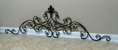 WROUGHT IRON WALL DECOR.....EXCELLENT CONDITION